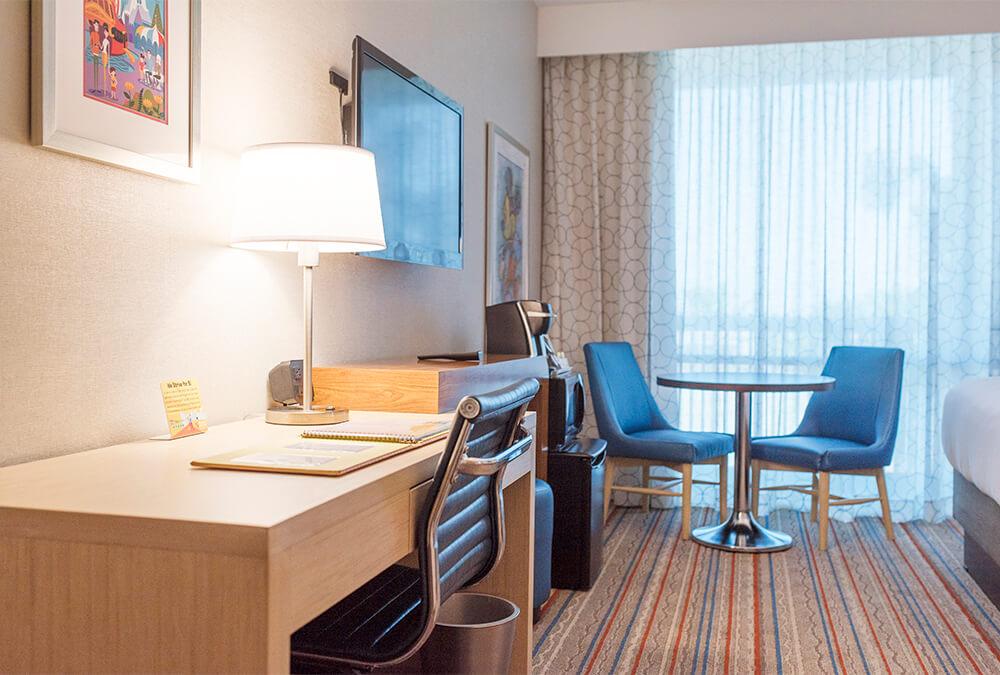 hotel room desks at Howard Johnson Anaheim hotel
