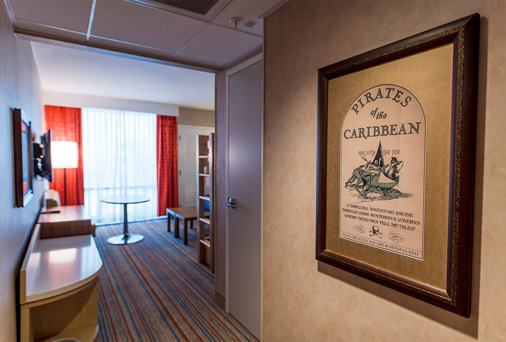 entry to Howard Johnson Anaheim hotel room