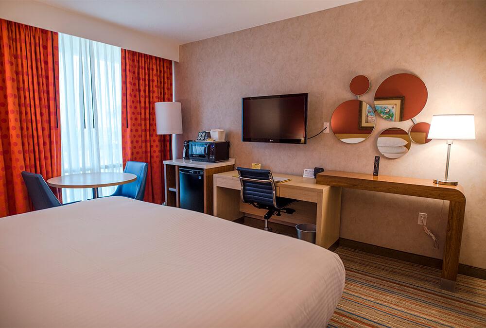 parents room at Howard Johnson Anaheim hotel