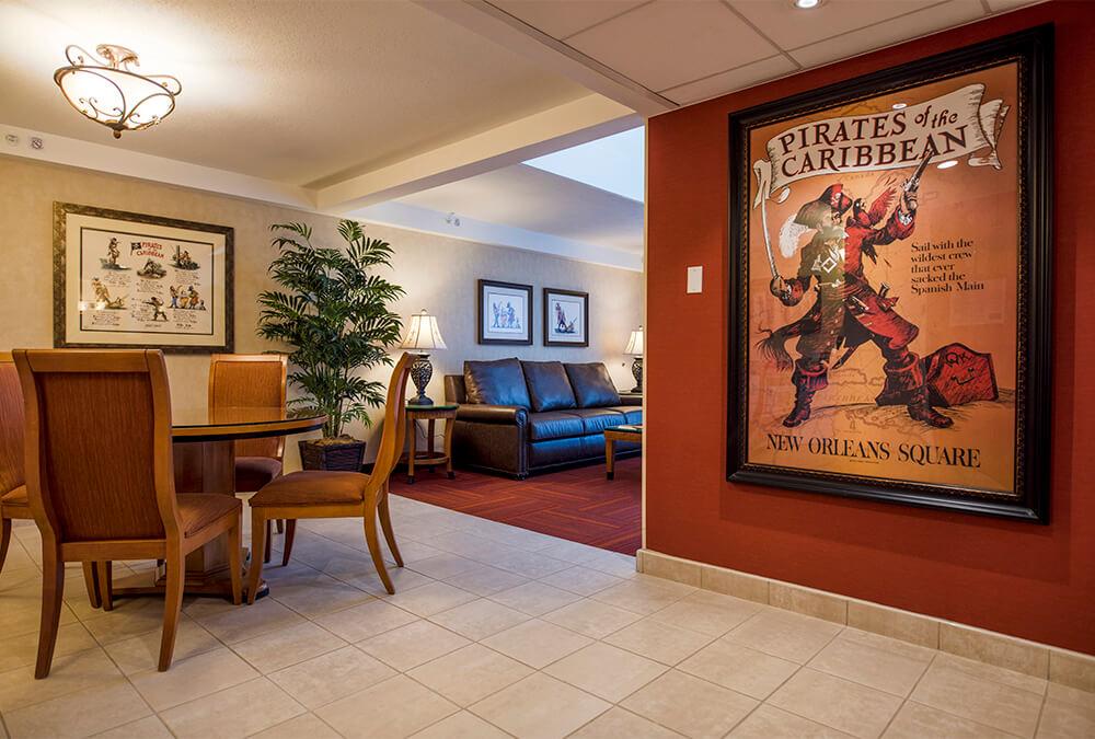 Disney themed dining room at Howard Johnson Anaheim